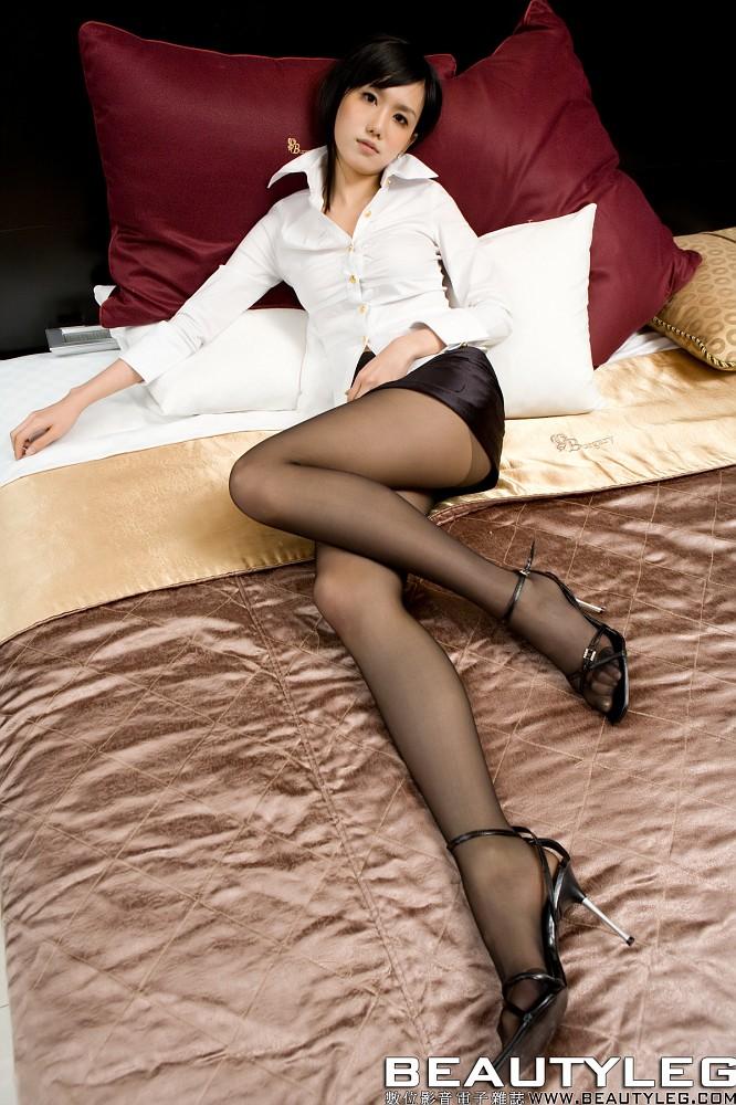 фото ног азиаток в колготках