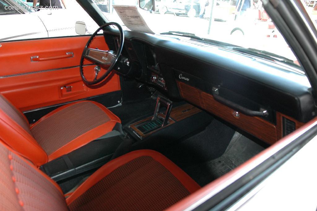 69 Chevy Camaro SS paceCar DV 06-BJ 0INT-01[1]