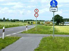 Benutzungspflichtiger Radweg endet in Radfahrverbot!