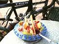 Spaghetti-Eiscreme mit Früchten