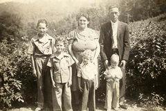 18-Benjamin Harrison York - Della Hutson sons Elmer, Delmer, Goldman & Calvin