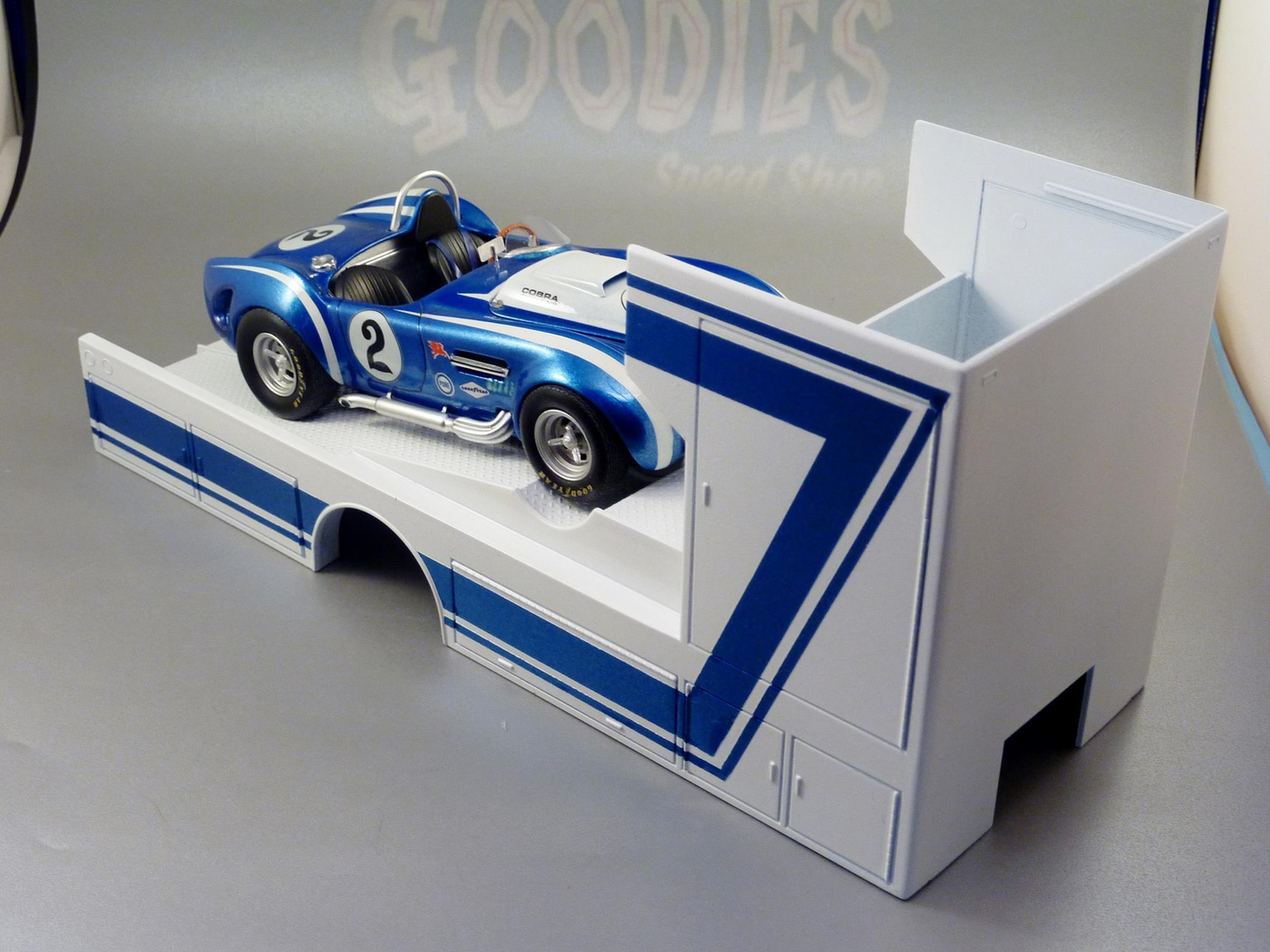 "Ford Louisville racing car hauler "" tribute to Caroll Shelby "" Terminé  Photo1-vi"