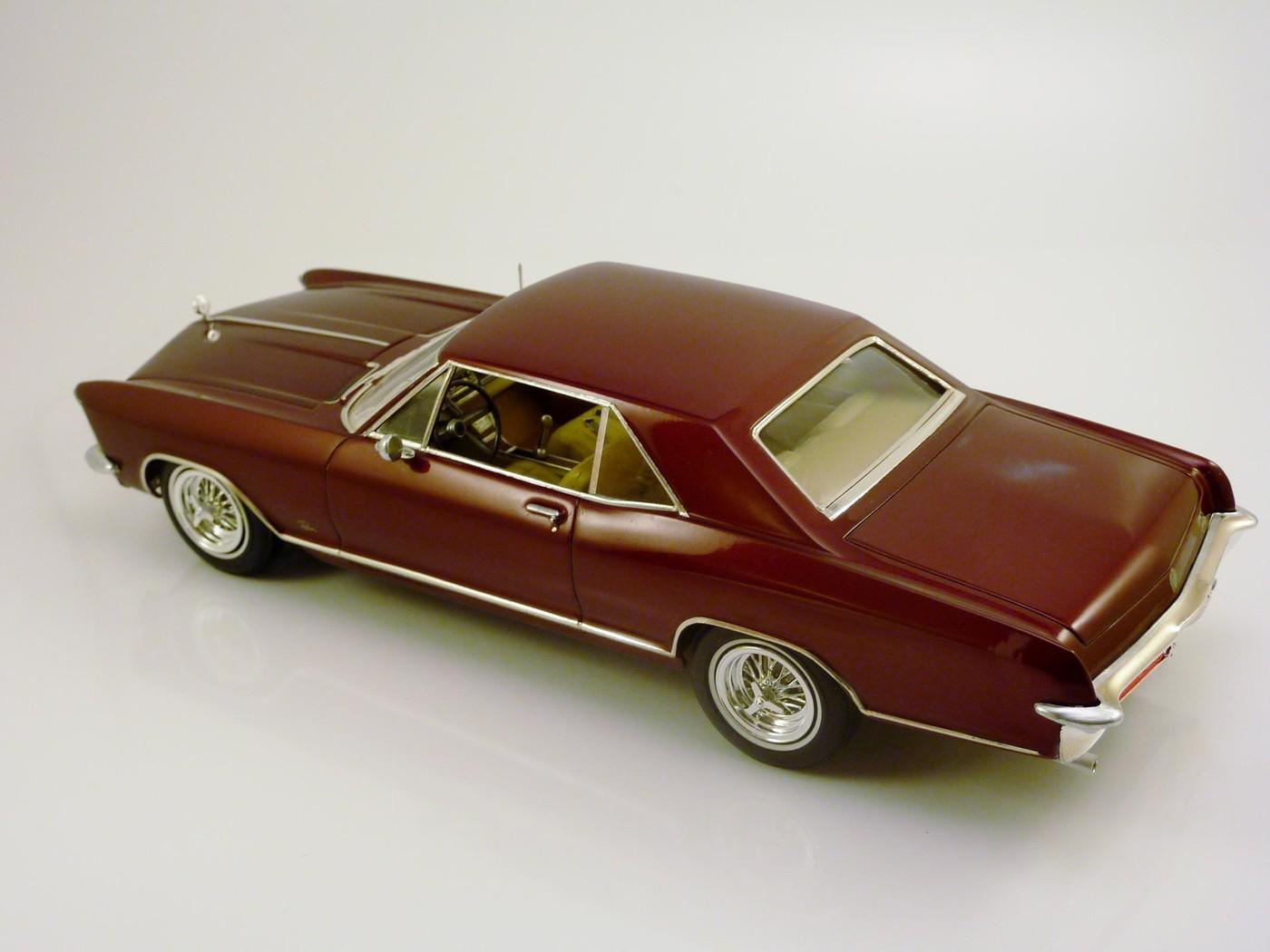 Buick Riviera 65 terminée - Page 3 Photo13-vi