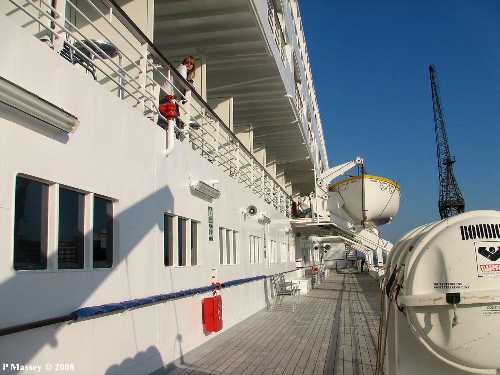 8033 Balcony Cabin