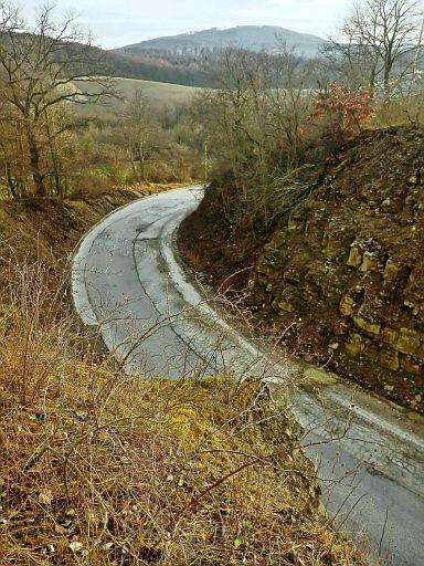 Weg im Steinbruch