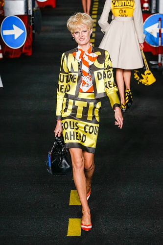 Moschino SS16 MIL 052