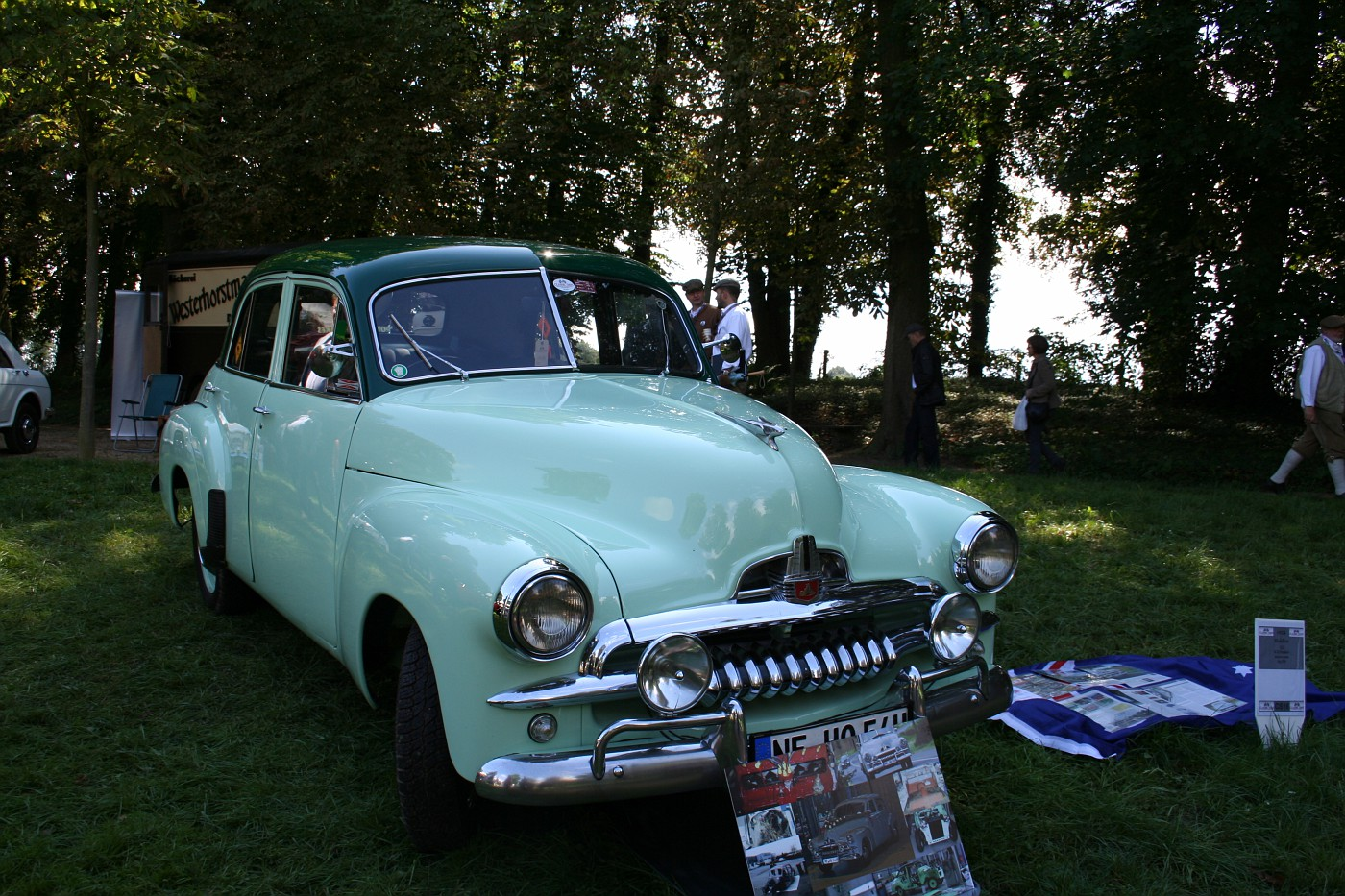 Photo 1954 Holden Fj Special Schloss Dyck Classic Days 2011 Album Cars N Trucks 4 You Fotki Com Photo And Video Sharing Made Easy