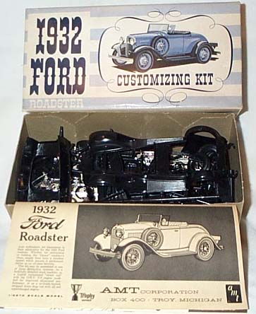 AMT 32 Roadster promo box 02