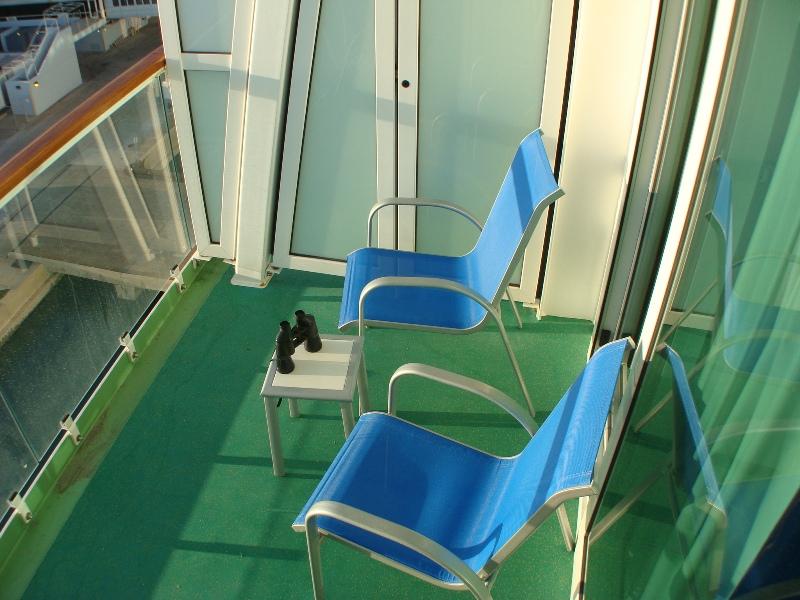 MiniSuite / Deck 11 Port / 11622 / Balcony