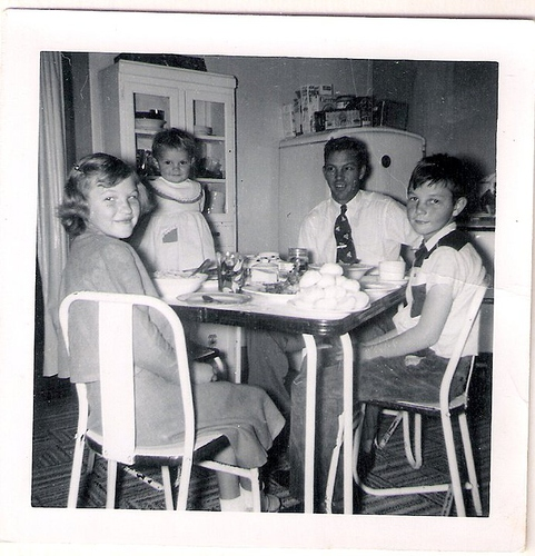 112-Gordon C  Moffett, Mom (Baby), Aunt Pat and Uncle Del