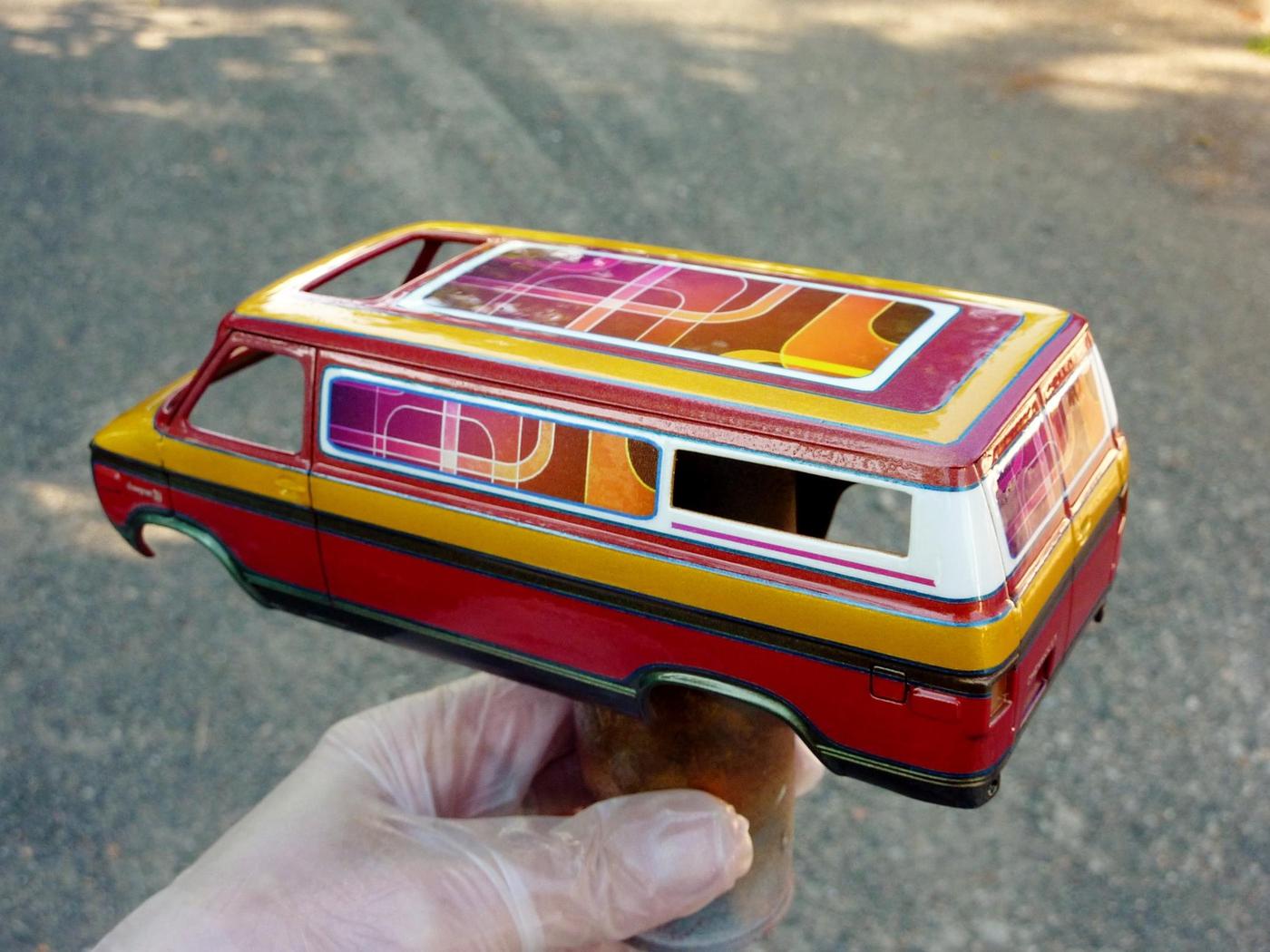 Van Chevy 75 (Vantasy) terminé - Page 4 Photo2-vi