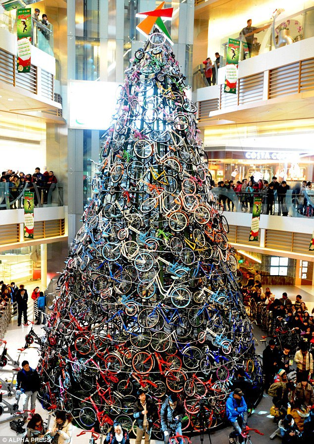 What a christmas tree  :-)