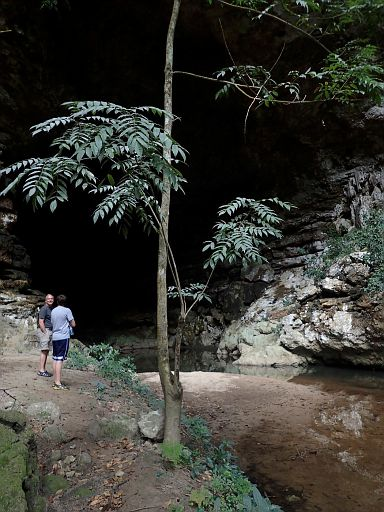 grand cave entrance