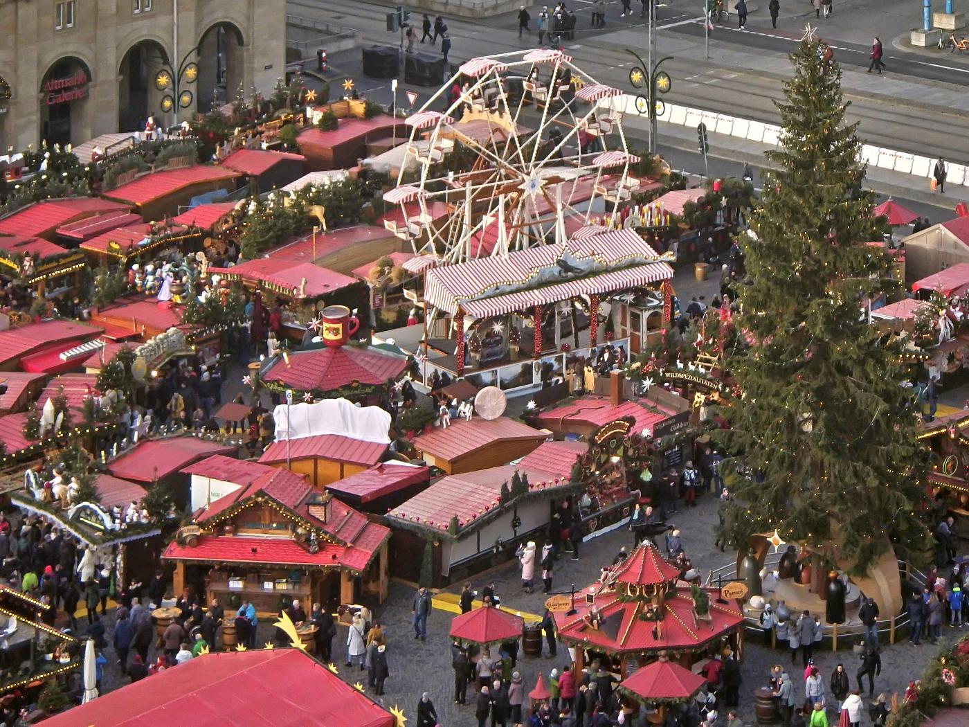 Blick von der Kreuzkirche auf den Striezelmarkt