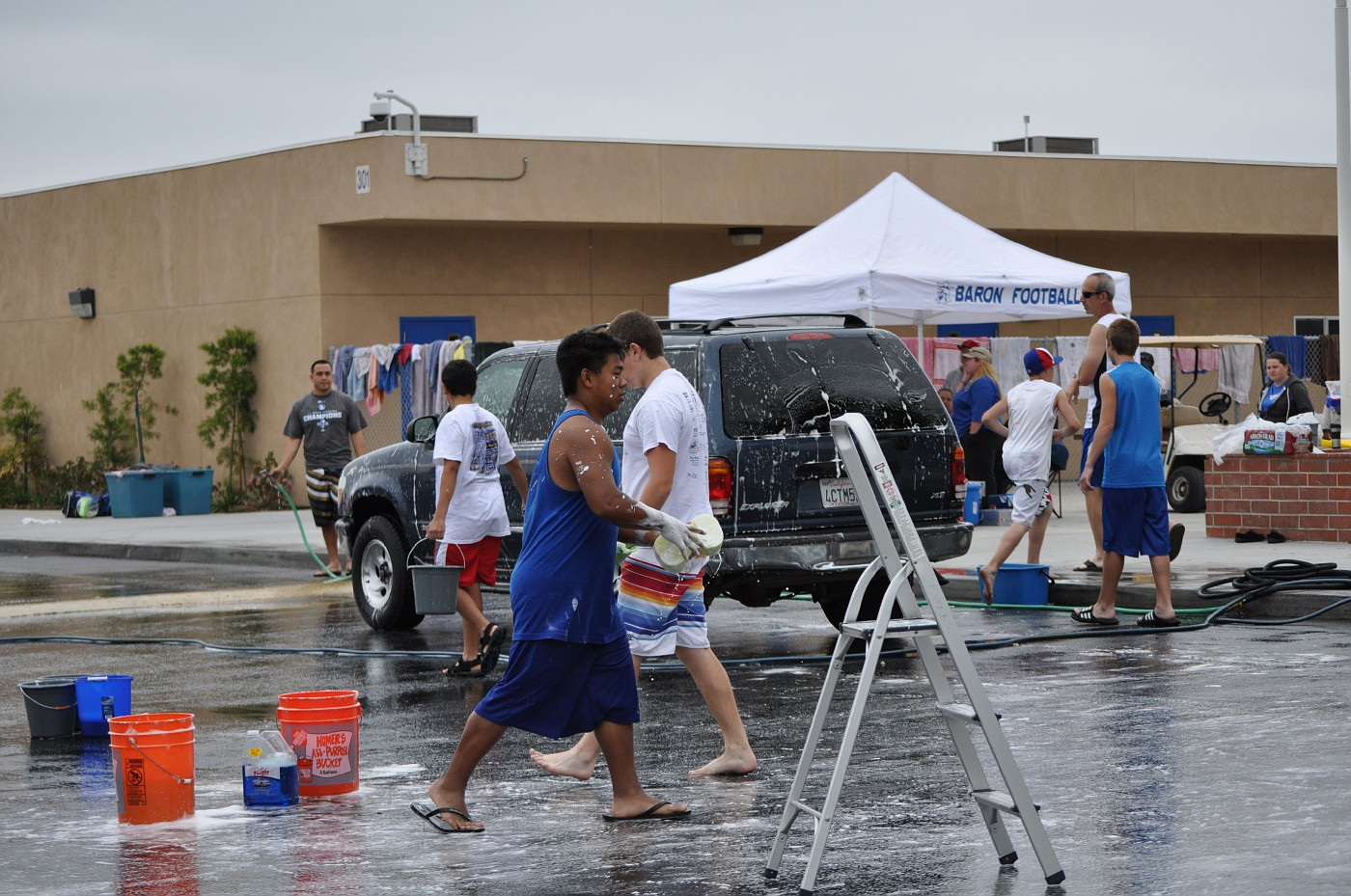 Boy Scouts & Car Wash May 2011 035.jpg