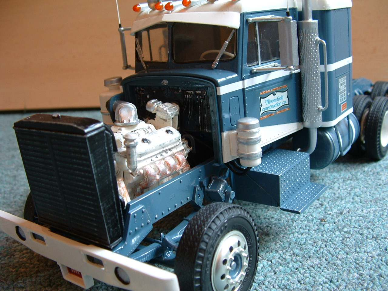 Photo: LWPete03 | Peterbilt 359 Little Window album | modeltrucks25