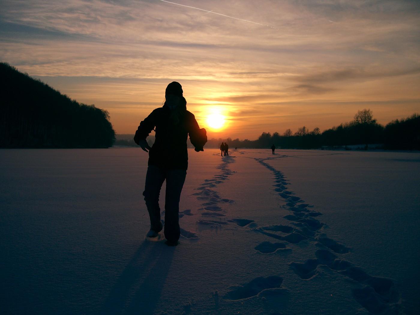 Giana auf dem schneebedecktem Eis