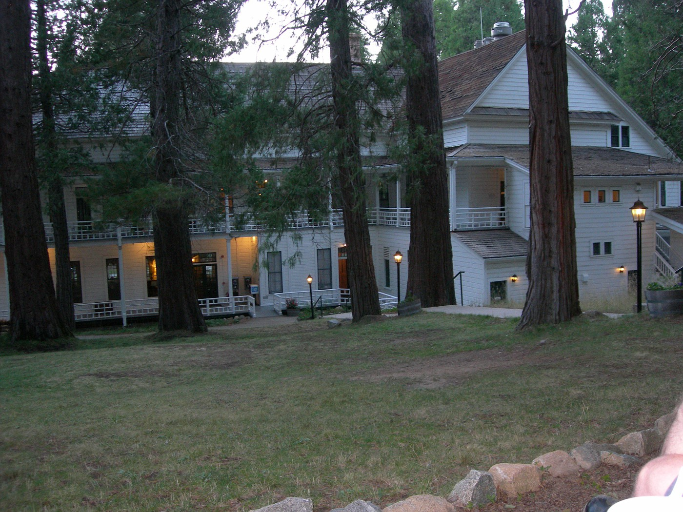 Wawona Hotel - main buildng back