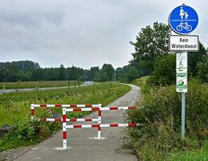 Geh-/Radweg für Radfahrende abgesperrt!