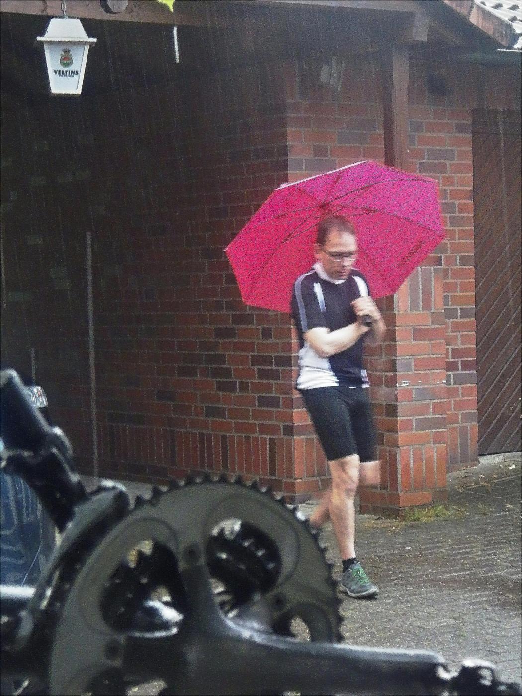 Am Startplatz regnet es
