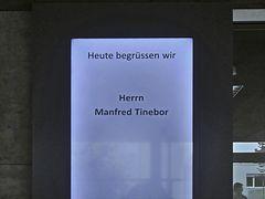Im Foyer Schmidhauser AG :-)