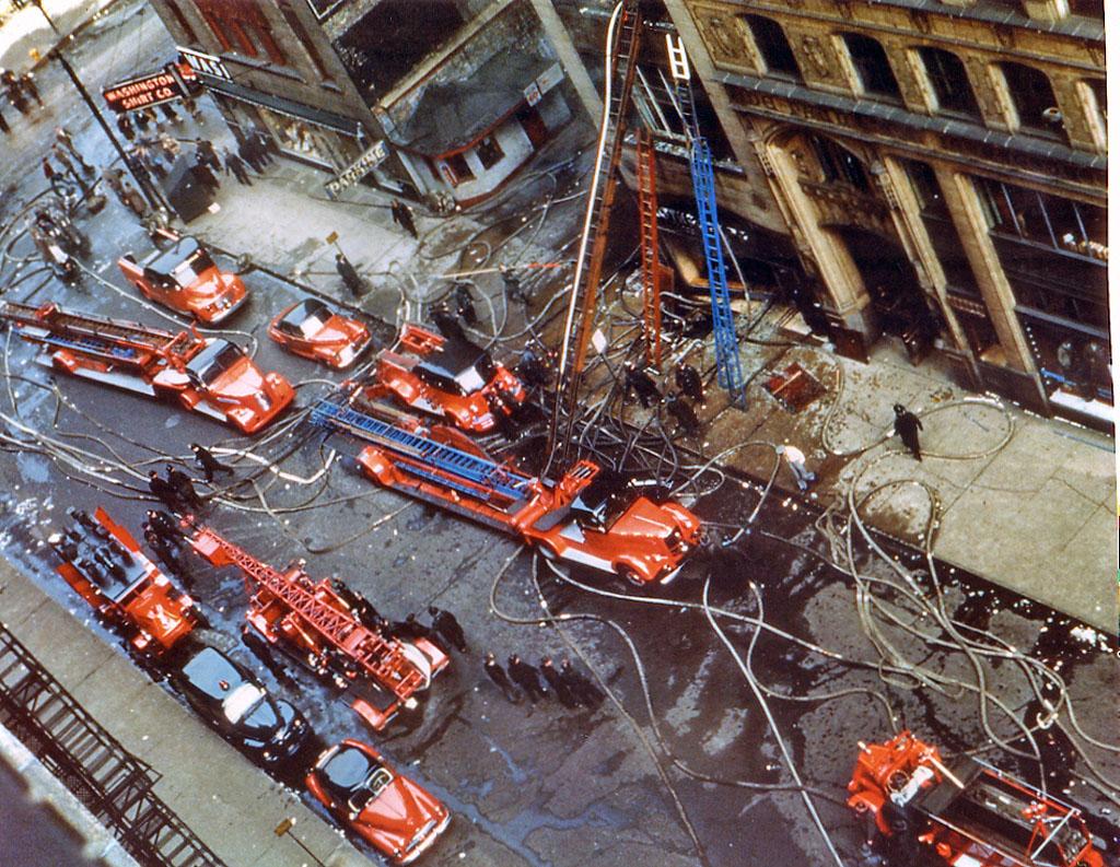 IL- Chicago FD 1950s fire scene