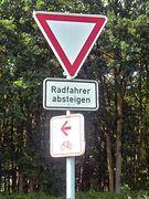 Radfahrer absteigen??