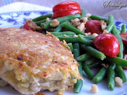 А я вчера сделала Рыбку в Картофельной Корочке и Фасоль с помидорками и орешками
