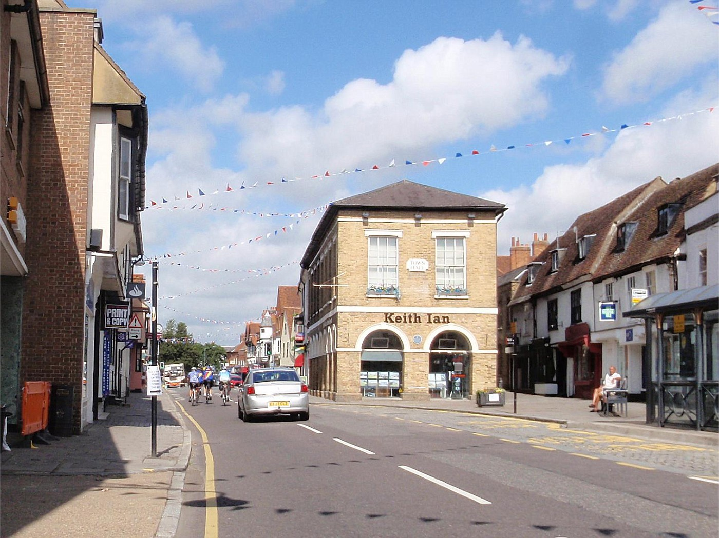 Loughton - St. Ives
