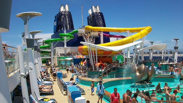 Pool Deck Epic Vs Oasis Cruise Critic Message Board Forums